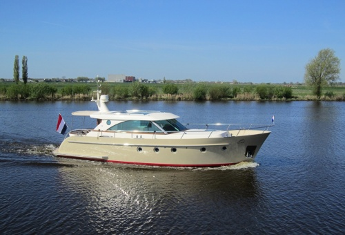 Serious Yachts Brightly 1260 (2013)