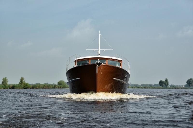seriousyachts-gently-36-hardtop-13.jpg