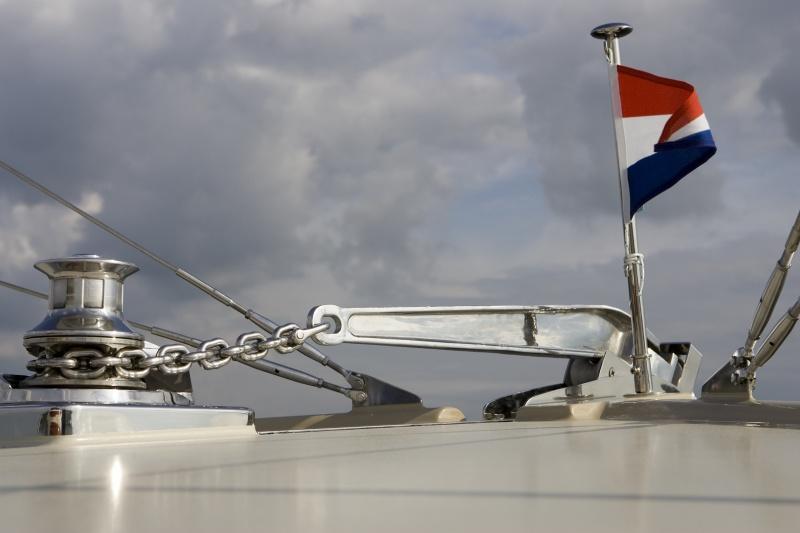 seriousyachts-gently-36-hardtop-20.jpg