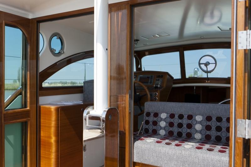 seriousyachts-gently-36-hardtop-32.jpg