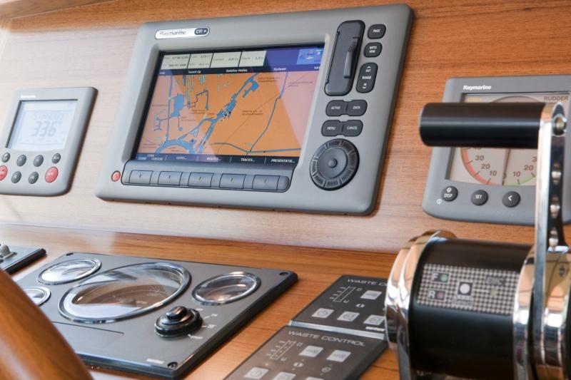seriousyachts-gently-36-hardtop-34.jpg