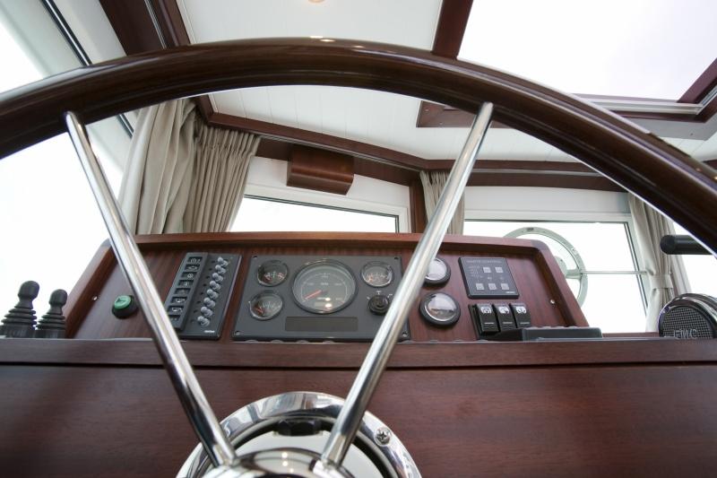seriousyachts-gently-36-hardtop-385.jpg