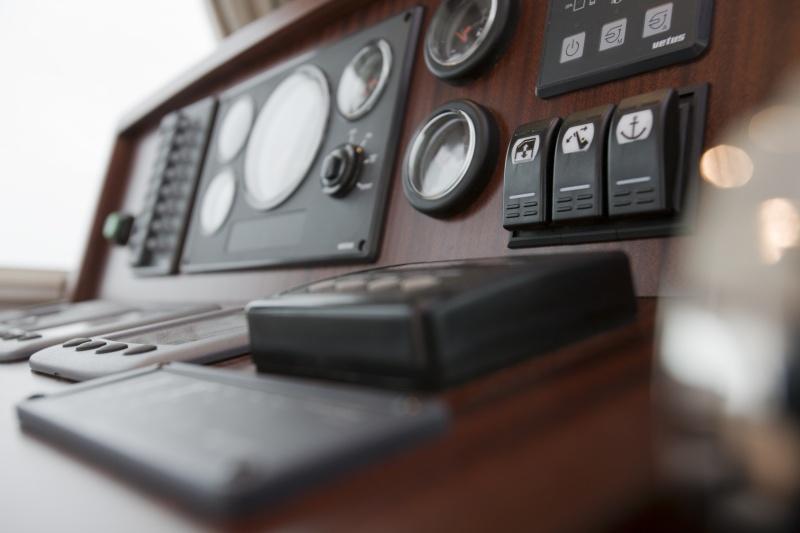 seriousyachts-gently-36-hardtop-387.jpg