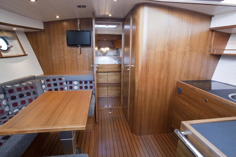 seriousyachts-gently-36-hardtop-39.jpg