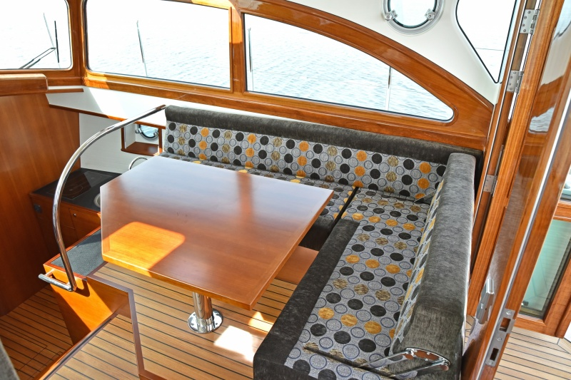seriousyachts-gently-36-hardtop-51.jpg