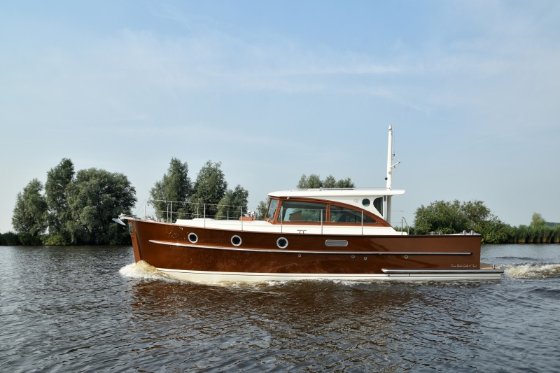 seriousyachts-gently-36-hardtop-7.jpg