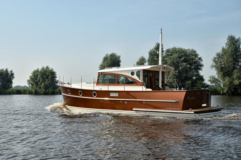 seriousyachts-gently-36-hardtop-9.jpg